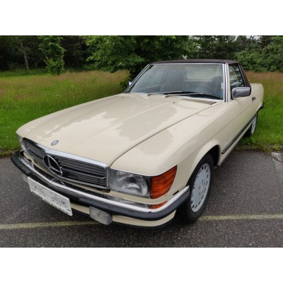 Mercedes-Benz 560SL W107